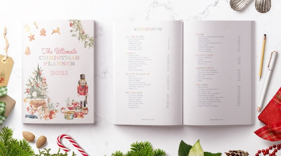 Christmas Planner 2021 Contents flatlay